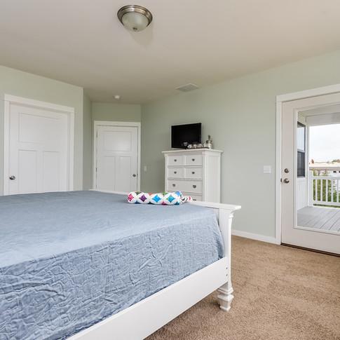 025-Master_Bedroom-3113113-medium.jpg