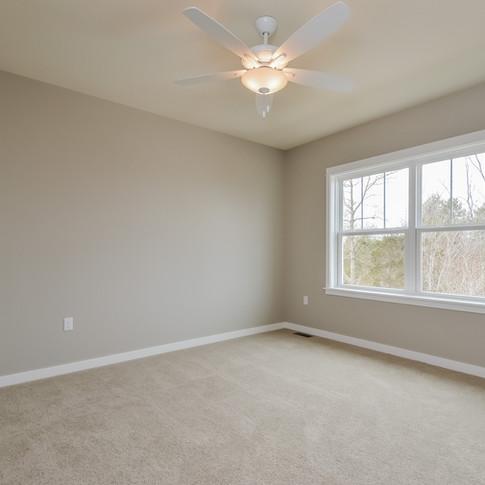 045-Bedroom-1511781-medium.jpg