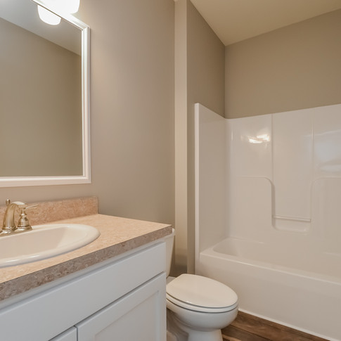 030-Bathroom-1511764-medium.jpg