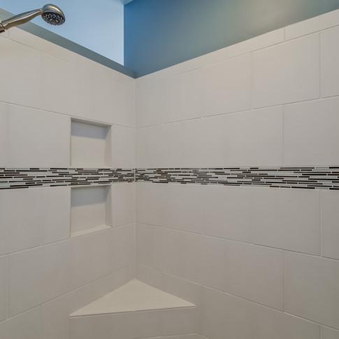 038-Master_Bathroom-1511788-medium.jpg