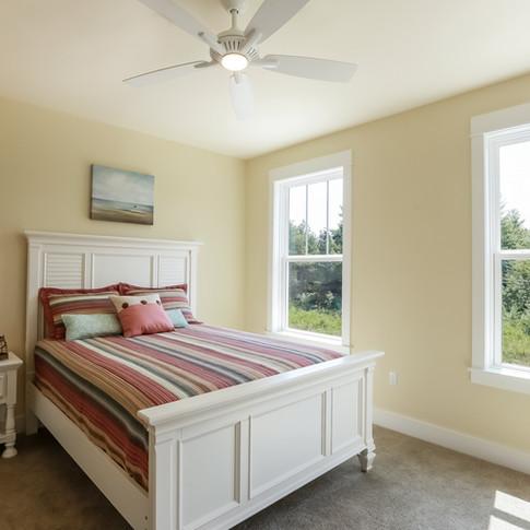 016-Bedroom-1980808-large.jpg