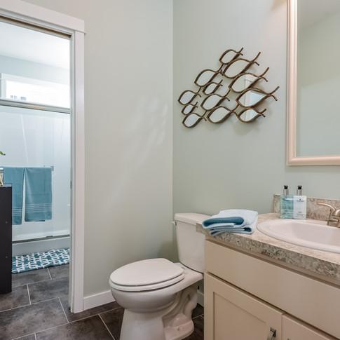030-Master_Bathroom-3113085-medium.jpg