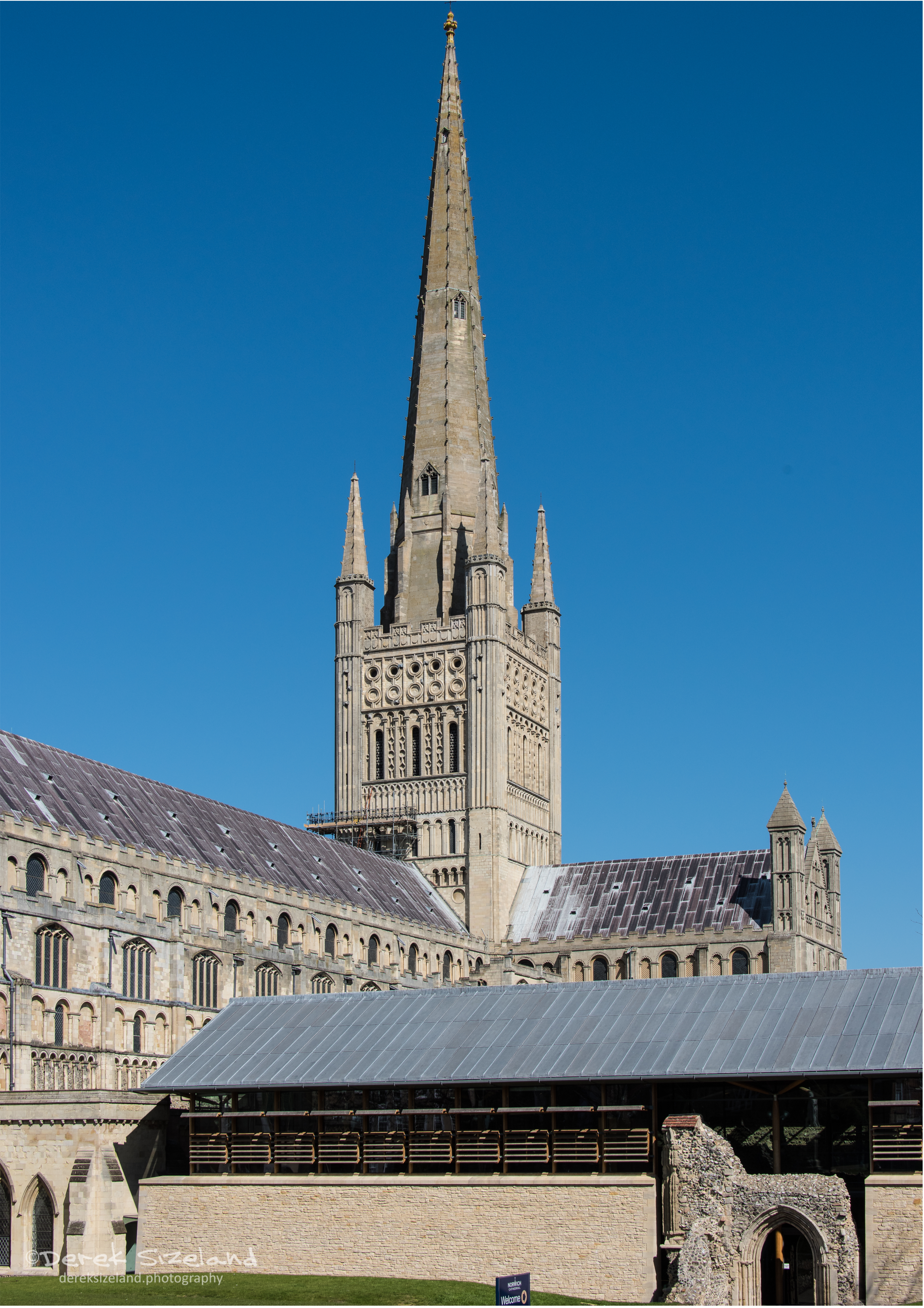 Norwich Cathedral 1.jpg