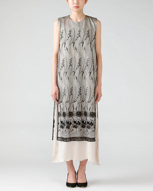 Embroidery one-piece dress/BEIGE