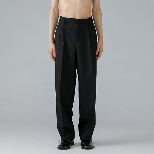 Two-tucks Trousers / TRUE BLACK