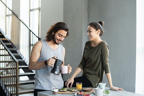 couple-having-breakfast-3754287.jpg