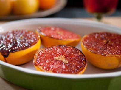 Recipe: Brown Sugar-Spiced Grapefruit