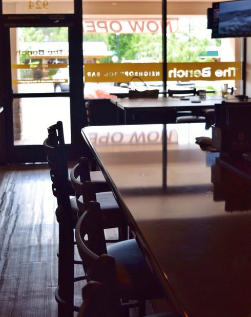 The Bench Neighborhood Bar Now Open in Vista Village