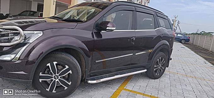 XUV 500 w10