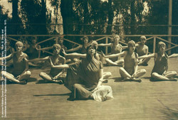 Yoga © The NYPL Digital Coll.
