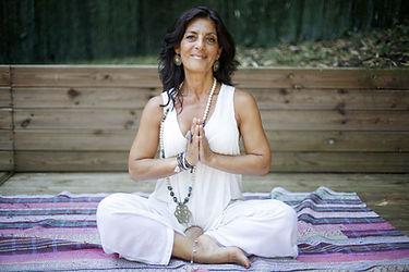 Patricia Raymond Cannas thérapie holistique yoga Craponne 69