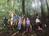 「お山の楽校」の皮むき間伐(1)