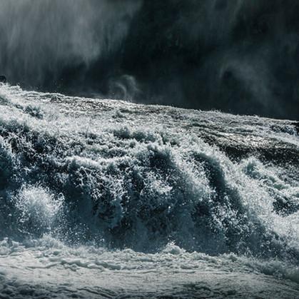Thunderous waters