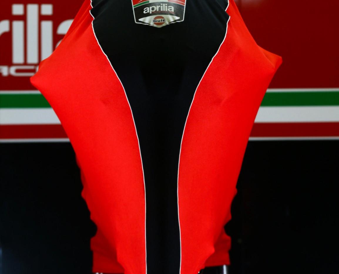 Milwaukee Aprilia Superbike World Team - Prestige Custom