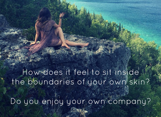 The Heartfelt Difference between Loneliness & Solitude