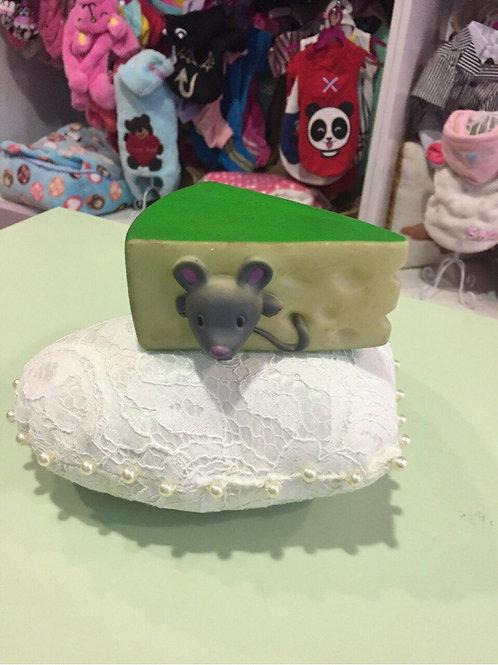 Игрушка Мышка в сыре