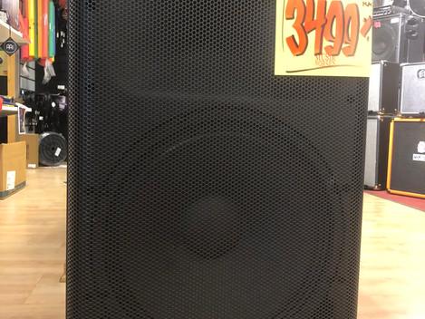Yamaha DXR 15 3499:-