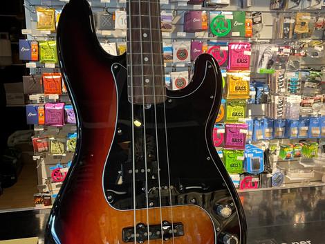 Fender Am performer precicion bas 11999:-