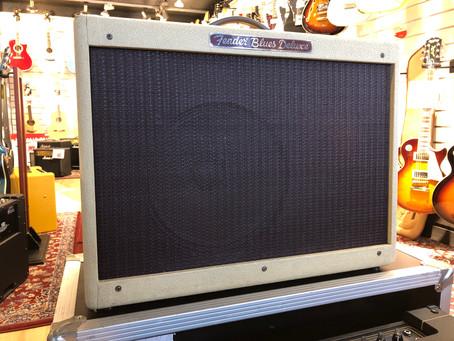 """Prisvärd gitarrförstärkare från Fender. Ej Reissue, byggd i USA!  12"""" Eminence element 40W. 6999:-"""