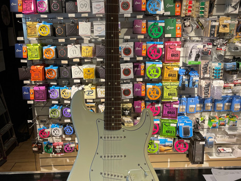 Fender Standard Stratocaster MIM 4999:- Såld!