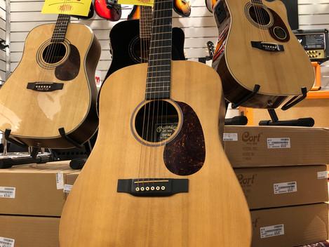 Akustisk gitarr Martin DX1AE 6499:-