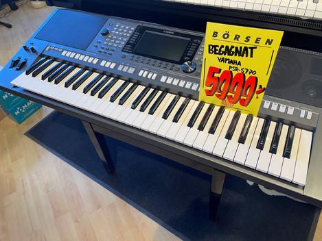 Yamaha PSR-S770 keyboard 5999:- SÅLD!