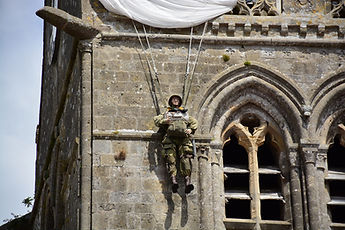Paratrooper st mere eglise.jpg