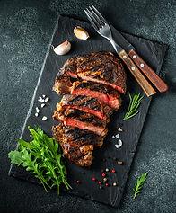 steak-ribeye-grilled-with-pepper-garlic(