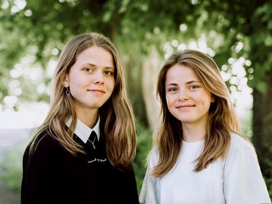 Søskendebillede - portræt af søstre