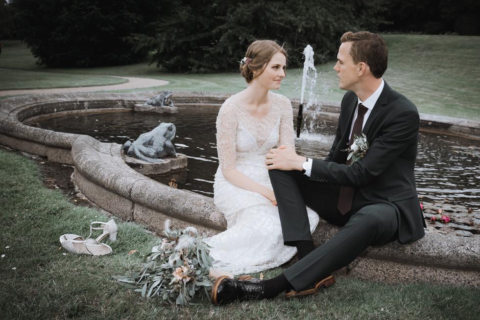 Bryllup i Gisselfeld Klosters park ved springvandet