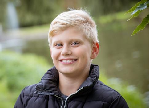 Billede af dreng i naturen