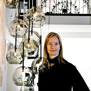 Portræt kvindelig lampedesigner