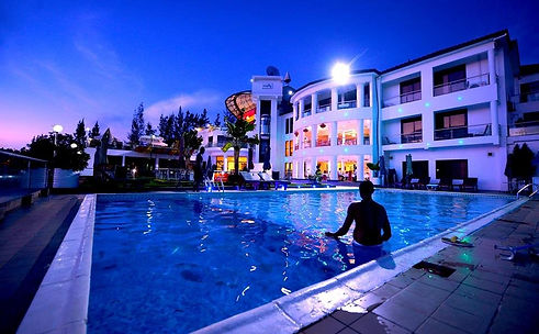 hotel-grounds (3).jpg