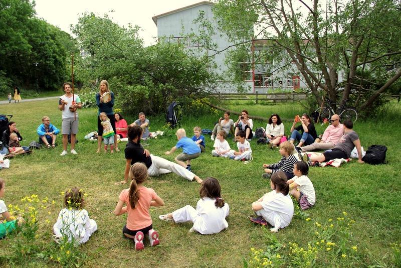 Capoeirando Stockholm Kids roda outdoor