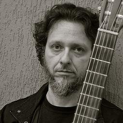 Luciano Antonio Carvalho - Compositor, Cantautor e Professor de Música.