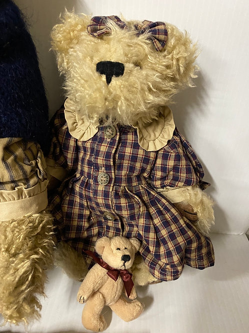 Boyds Bear - Grandmother Beatrice Baileyanne and Tedley with Tea Set