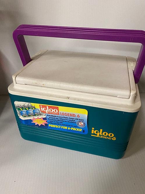 Retro Igloo Mini Cooler - 6 can