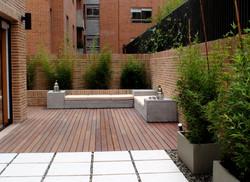 Terraza con pasos en cemento