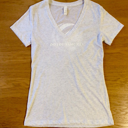 YAMUNA VネックTシャツ