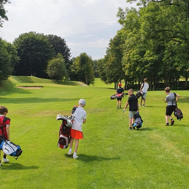 Junior golfers at PGH
