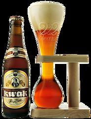 Belgisches Kutscherbier von Bosteels Kwak Starkbier mit Originalglas und im Restaurant Sauvage Pub erhältlich