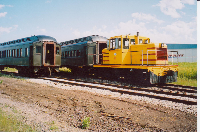 Coaches 29 & 85 and Locomotive 46