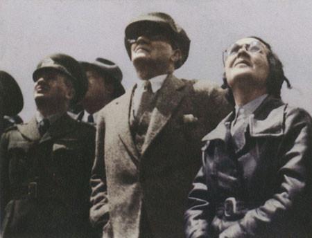Ataturk-Sabiha.jpg