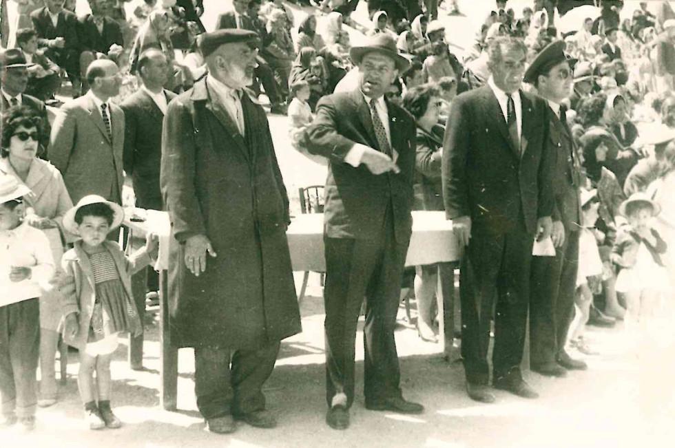 1960_sonrası_mustafaerdem_ve_nahiye_müdürü.jpg
