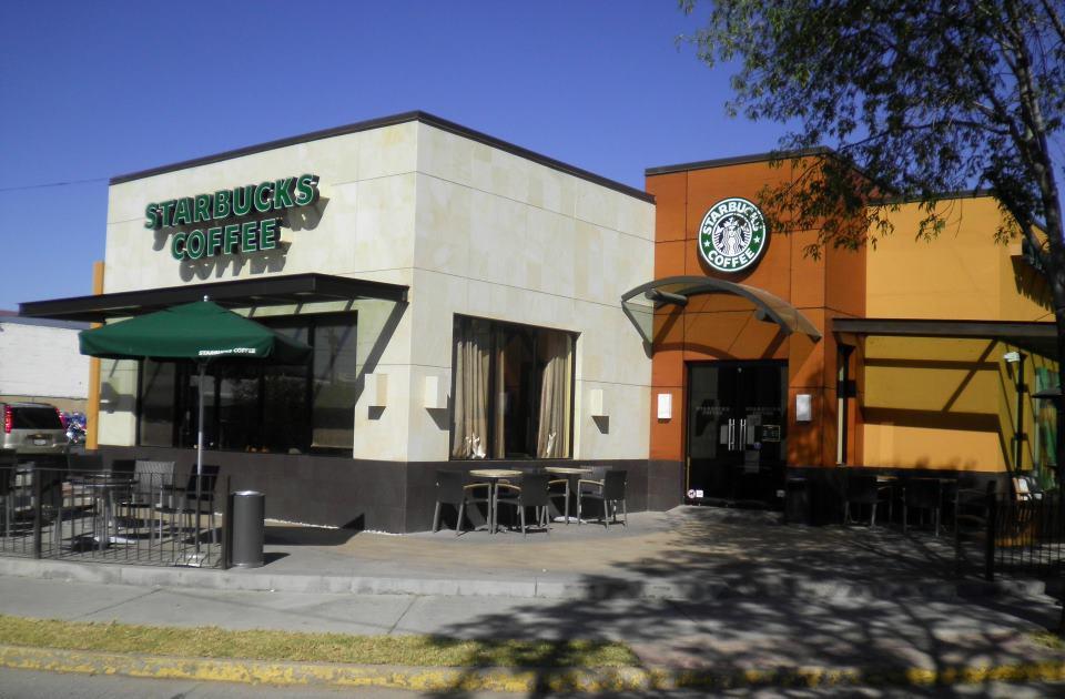 Starbucks en Colosio y Zaragoza en Aguascalientes