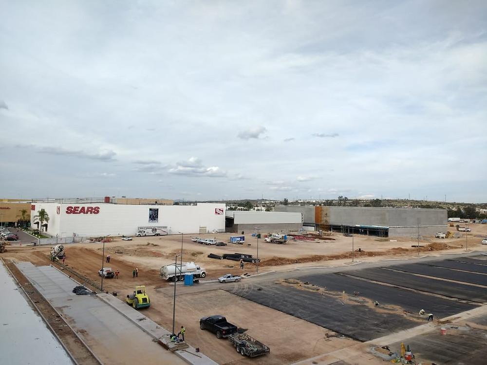 construccion centro comercial Altaria Aguascalientes