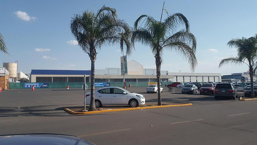 Lowes sucursal galerías Aguascalientes