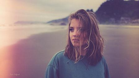 Hannah Lewon 1-2.jpg