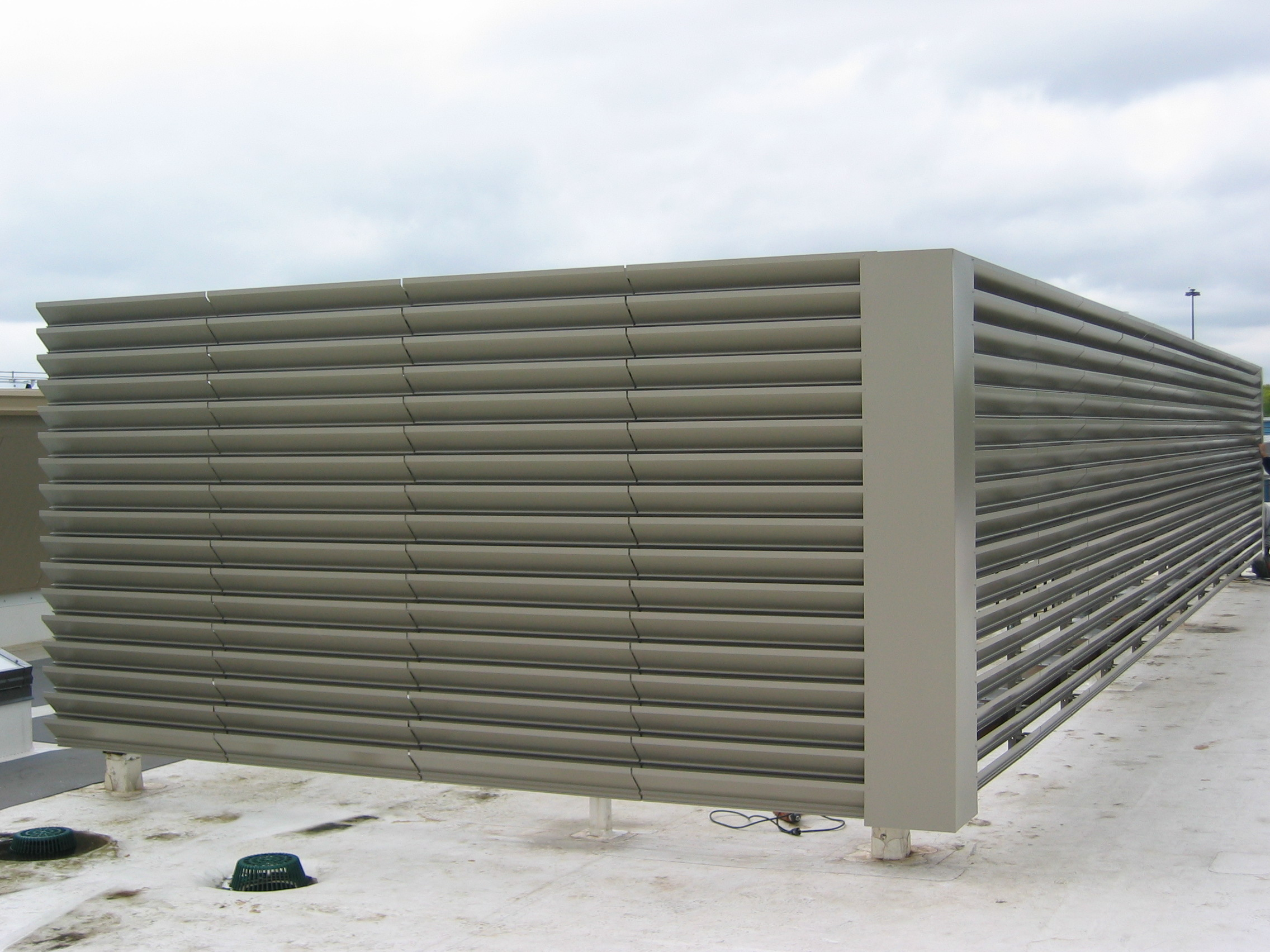 Louvered roof equipment  screen