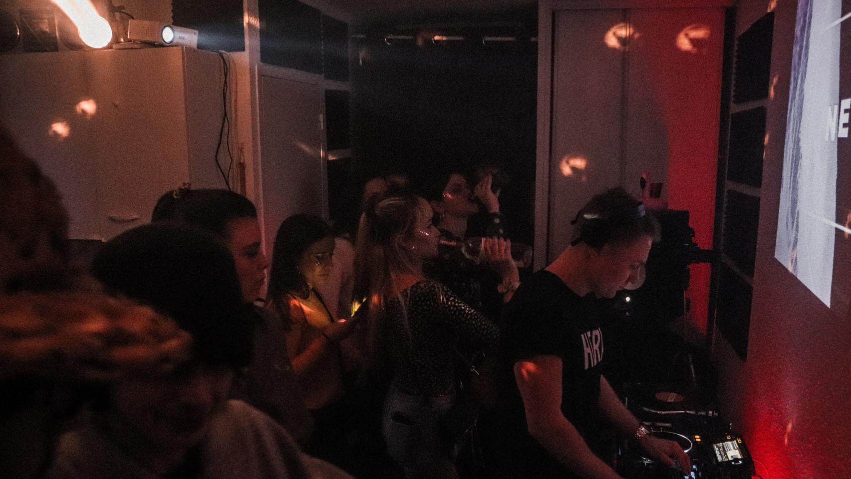 Neutre - Live @LA ROOM SESSION - NANTES
